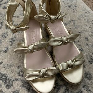 Nine West Gold wedges size 9 perfect condition